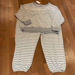 Set of two pieces Loungewear or pyjamas